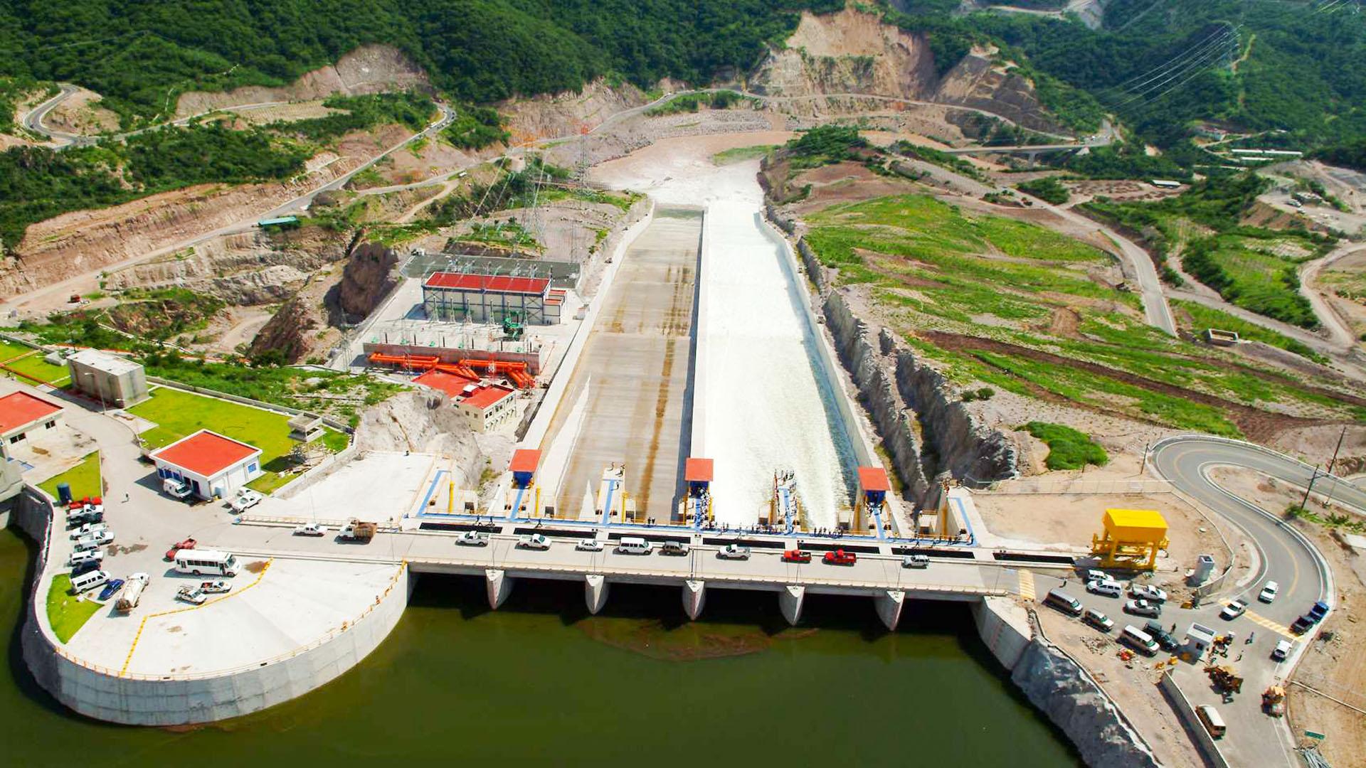 El Cajón Dam